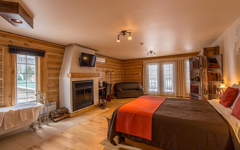 Luxury Room with fireplace & clawfoot tub - Auberge du Vieux-Moulin dans Lanaudière