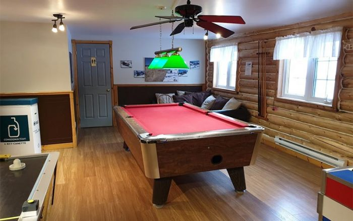 Game room - the Auberge du Vieux-Moulin in Lanaudière
